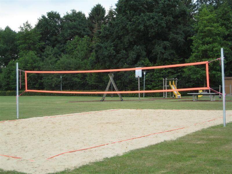Volleyballfeld Dorfhaus