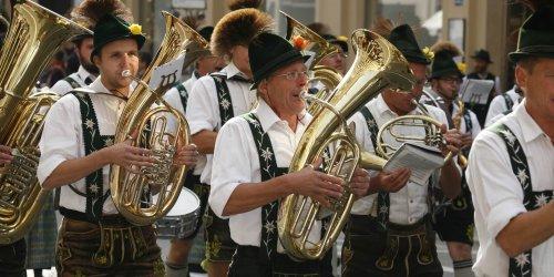 oktoberfest, musik bayerisch Stimmung